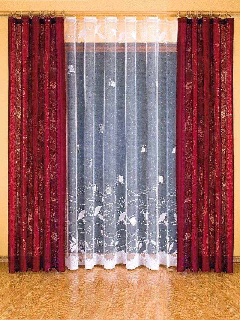 Красные шторы в интерьере: виды, ткани, дизайн, сочетание с обоями, декор, стиль