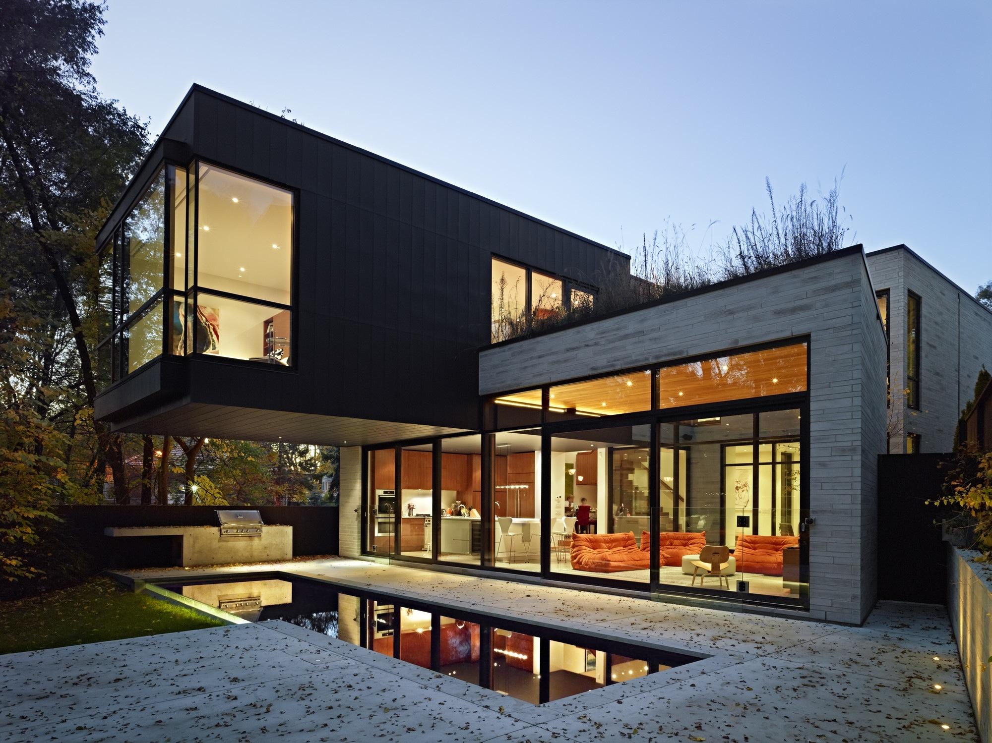 небольшие двухэтажные дома
