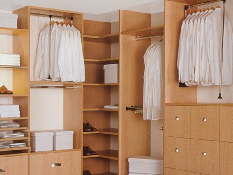 сделать гардеробную комнату на заказ недорого