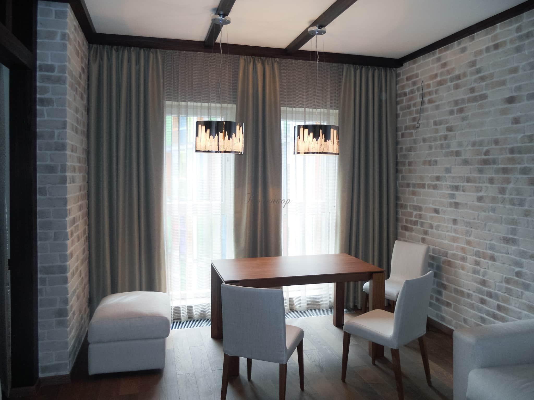 Короткие шторы (63 фото): шторы до подоконника в спальню, гостиную, занавески в комнату, варианты в интерьере 2020