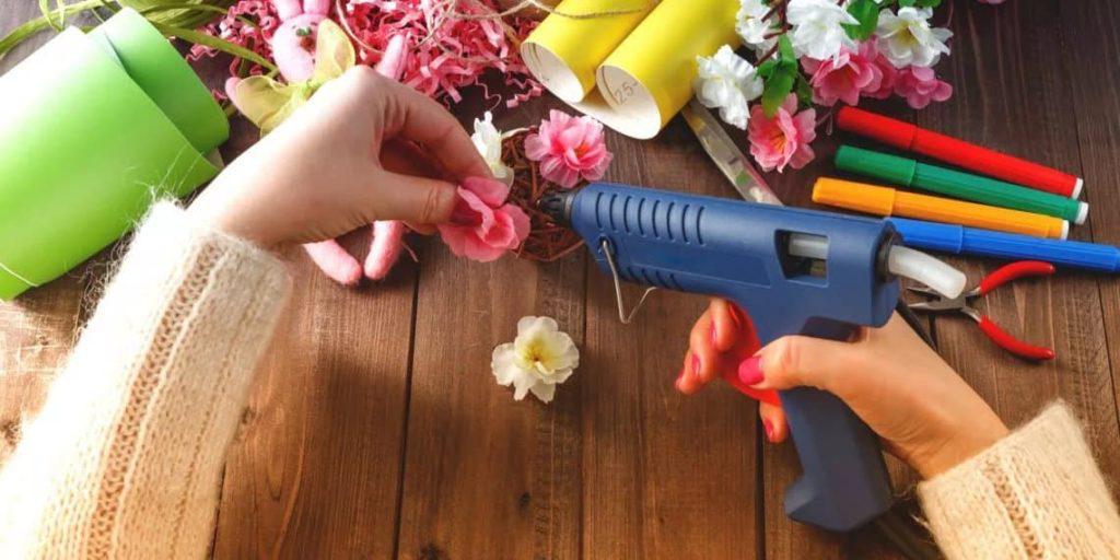 пистолет для горячего клея