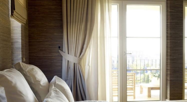 Шторы для кухни с балконной дверью +75 фото оформления