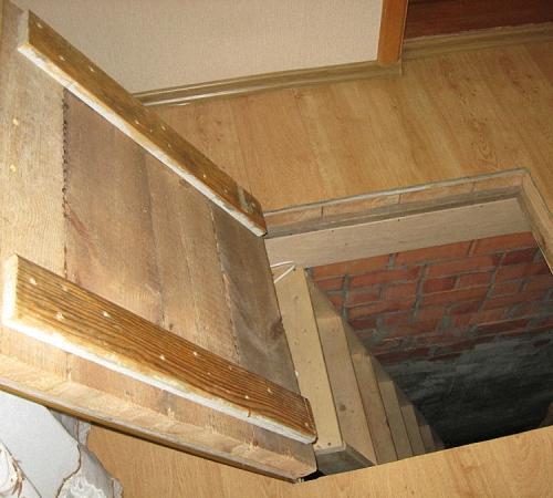 Погреб в подвале частного дома
