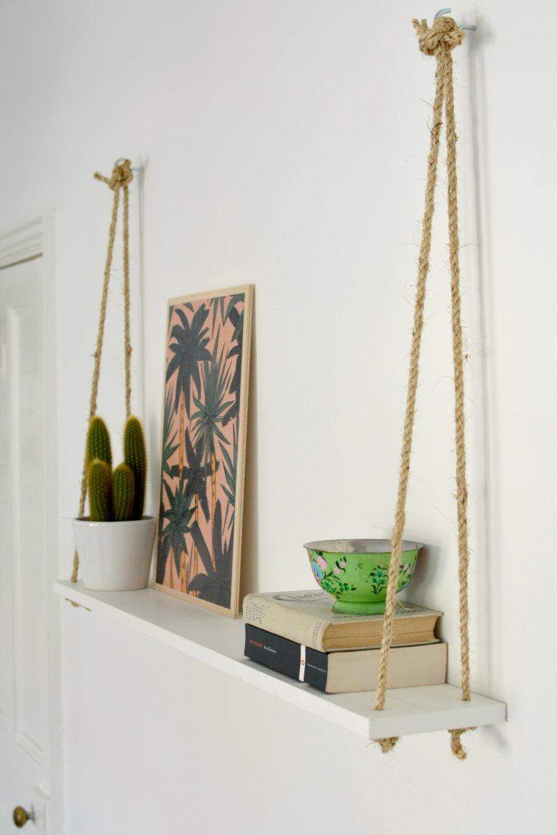 6 вариантов навесных полок в современной гостиной: роль в интерьере, виды и формы стеллажей, где и как правильно разместить