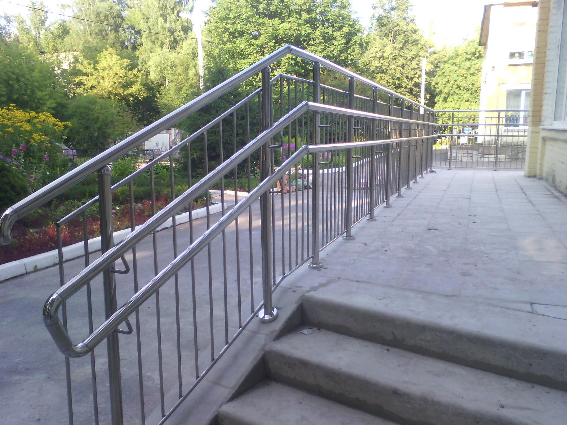 Детские ворота безопасности для лестницы своими руками