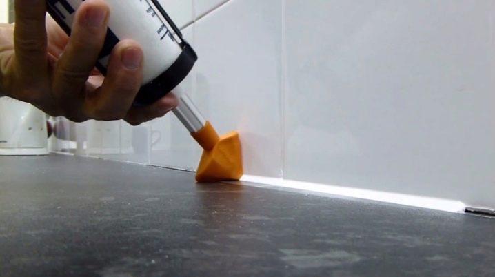 Двухкомпонентный герметик: полисульфидный и полиуретановый вариант для стеклопакетов, продукция «гермотекс» для деформационных швов бетона
