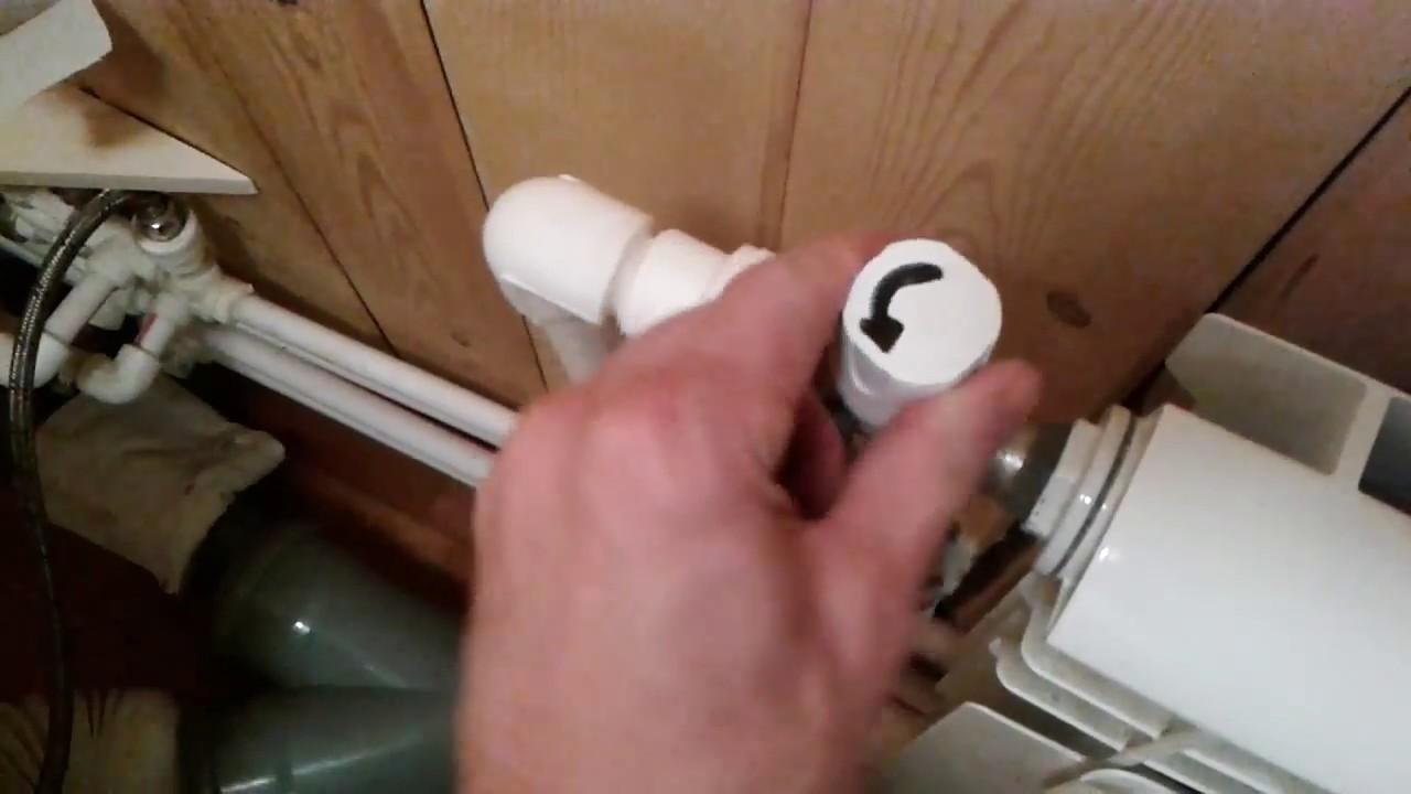 Как правильно спустить воздух из батареи отопления