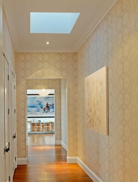 Серые стены в интерьере (71 фото): сочетание светло-серых и темно-серых обоев с голубым, белым и бежевым цветами. как подобрать шторы и мебель в спальню?