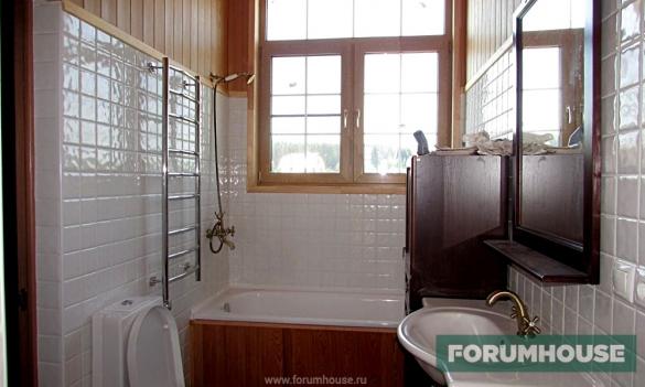 Обустройство ванной комнаты в каркасном доме: обшивка стен, отделка потолка и монтаж пола