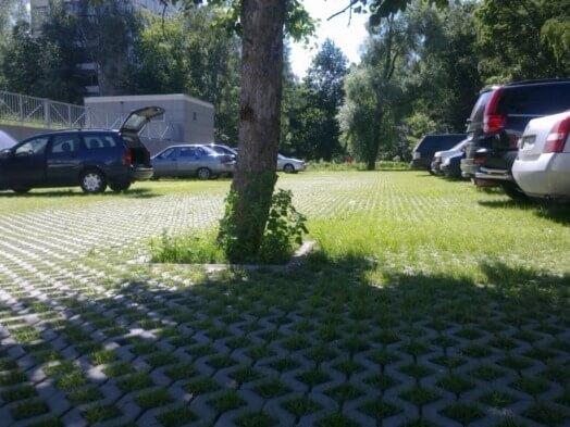 Газонные решетки для парковки: георешетки и экопарковки. пластиковые и бетонные решетки для дачи, зеленая и черная сетка для газона, укладка решеток