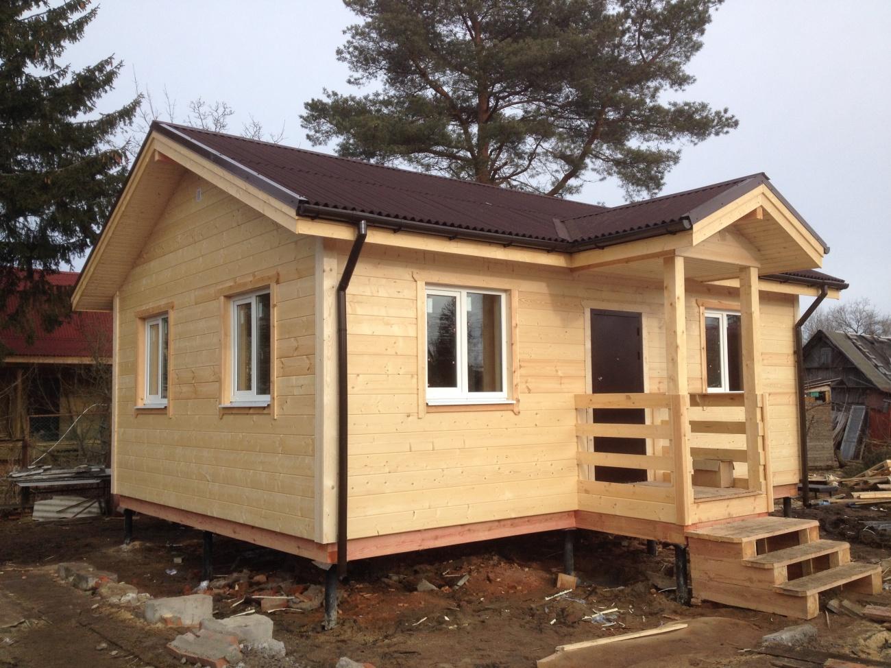 Маленький каркасный дом в современном стиле