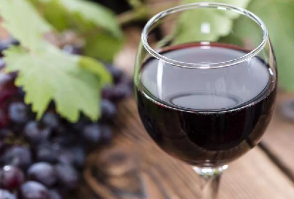 Сколько сахара в сухом вине: процентное содержание в [2018], количество в красном и белом, снижается ли в крови, есть ли классификация