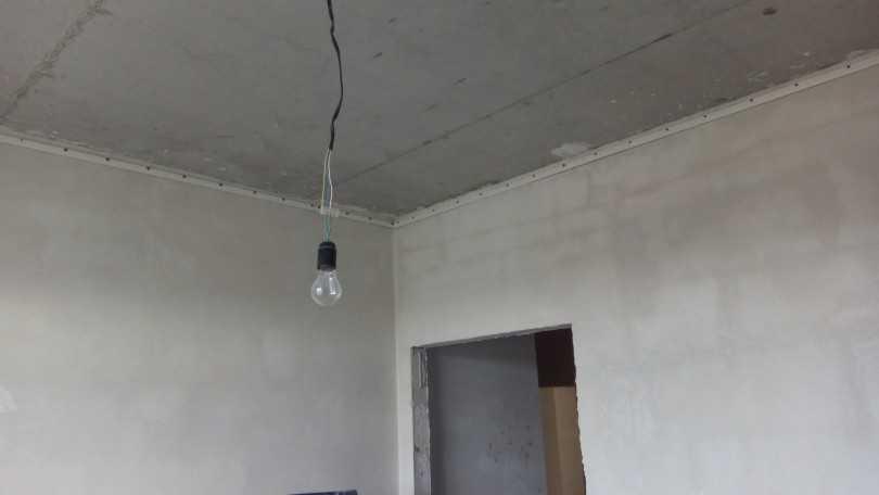 Делаем демонтаж натяжного потолка своими руками: видео-инструкция