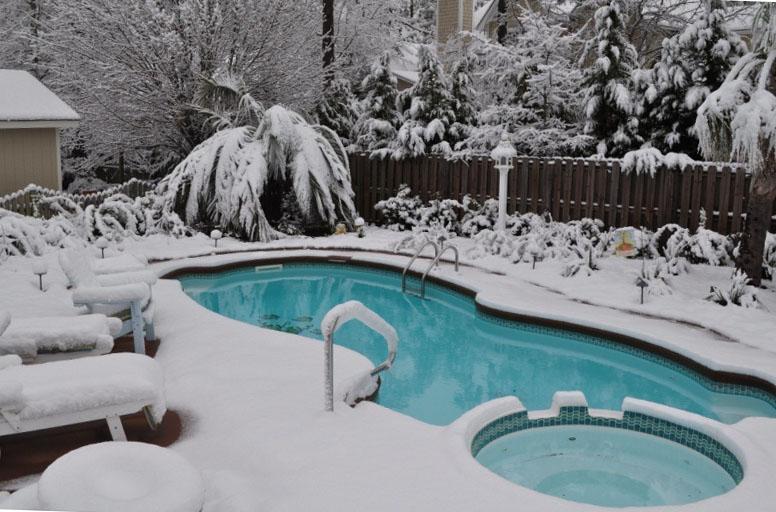 Зимовка каркасного бассейна с водой на улице. можно ли оставлять каркасный бассейн на зиму наполненным?