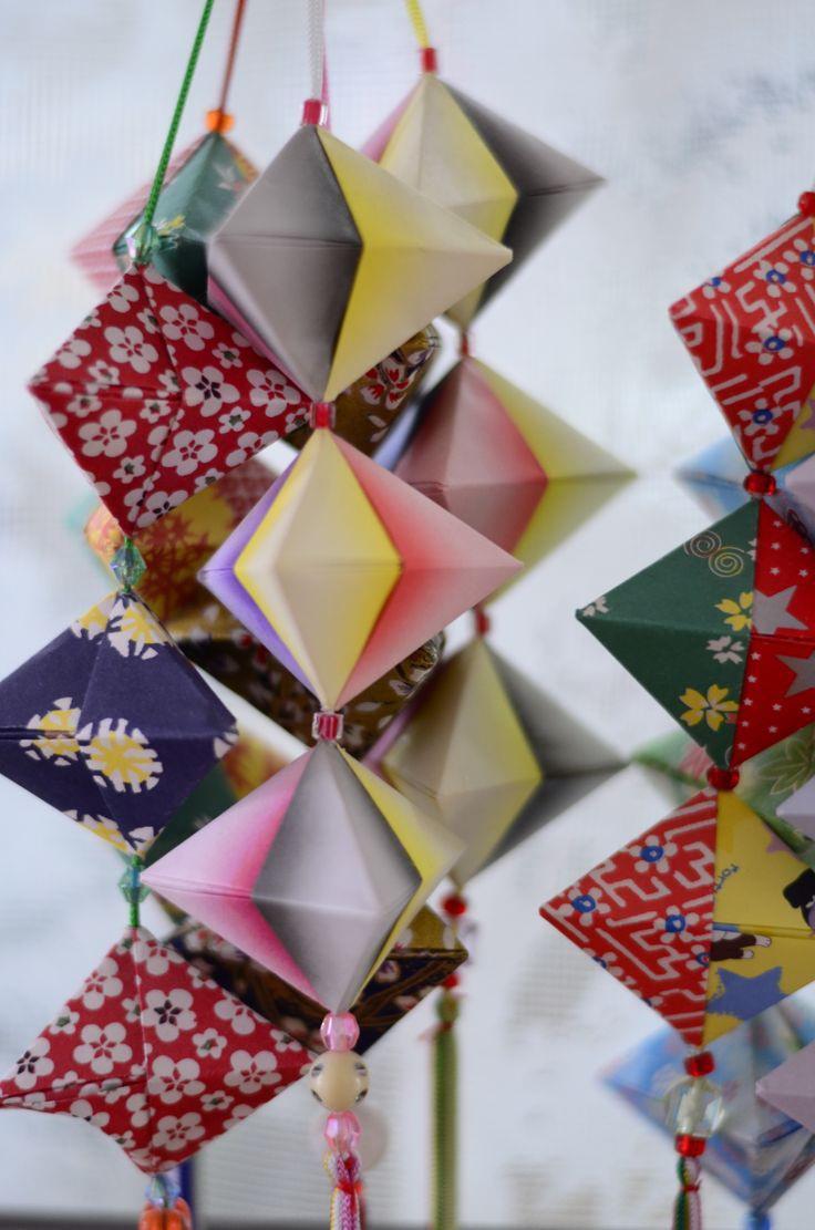 Поделки из бумаги и картона - 115 фото и рекомендации как сделать бумажные игрушки и украшения