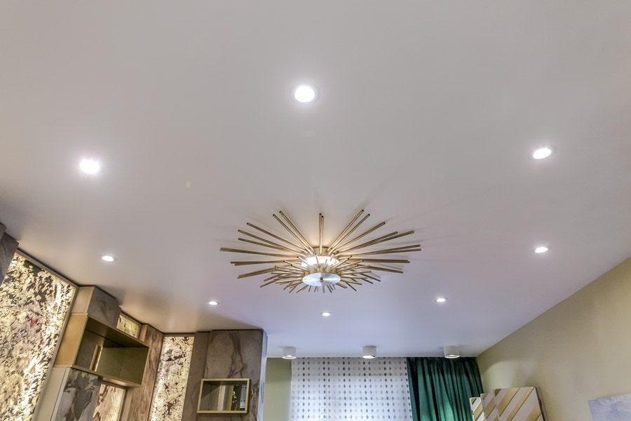 расположение лампочек на потолке