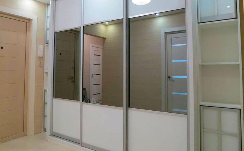 Шкаф-купе в маленькую прихожую (59 фото): идеи дизайна и размеры небольших шкафов, угловые модели в узкую прихожую