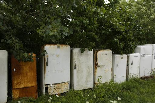 старые холодильники