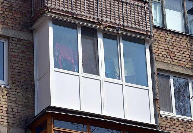 Варианты и виды остекления балконов: какой подойдет именно вам?