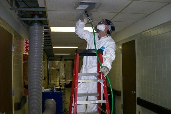 Как почистить вентиляцию в квартире самостоятельно: пошаговая инструкция и правила