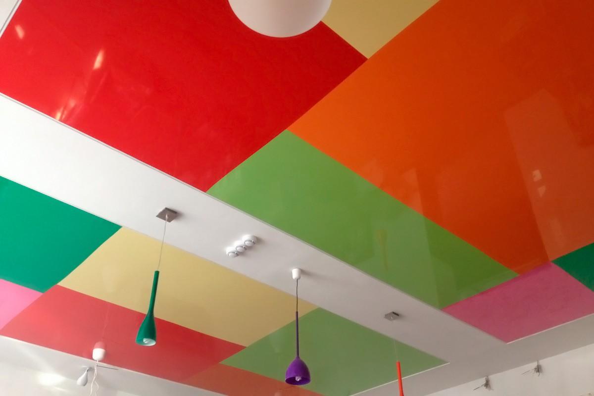 Натяжные потолки – цветовая гамма: как выбрать цвет потолка, нюансы оформления