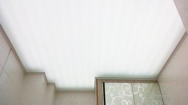 световой натяжной потолок