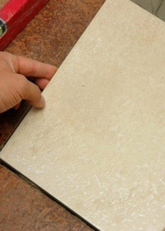 Какой плиточный клей лучше — обзор видов и марок клеевых составов