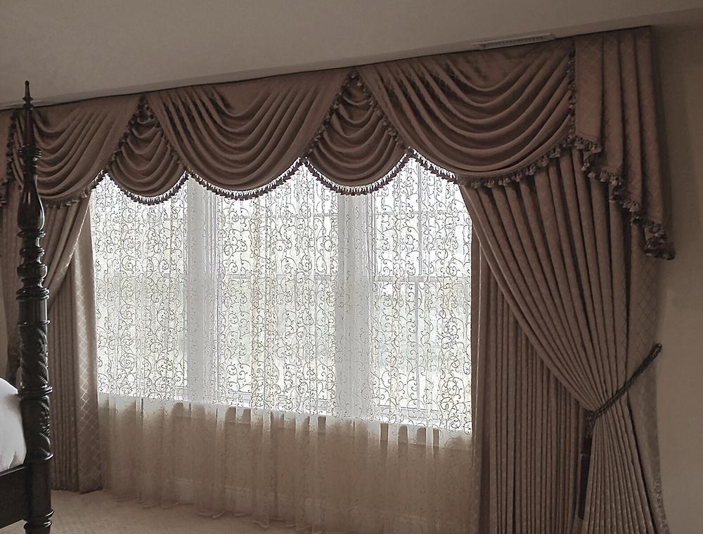 Коричневые шторы - фото лучших идей дизайна и сочетания в интерьере