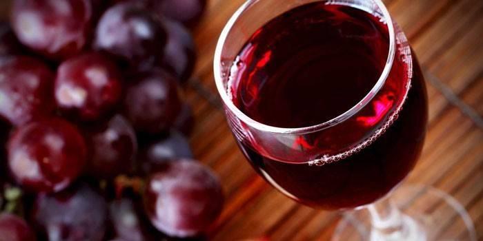 Несколько способов повышения крепости домашнего вина