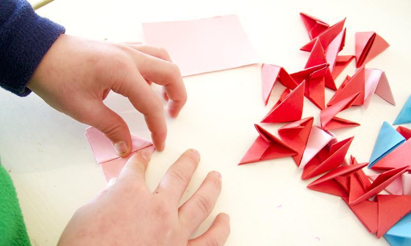 Красивые листья из бумаги: оригинальные идеи и варианты, пошаговая инструкция - handskill.ru