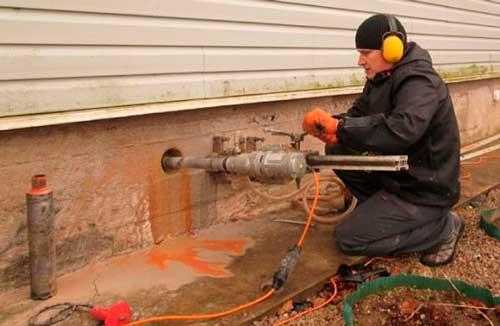 Когда открывать продухи в деревянном доме, нужно ли закрывать на зиму
