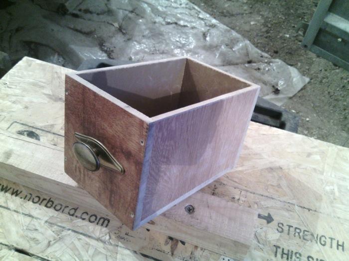 Необычное и практичное применение остатков ламината в быту
