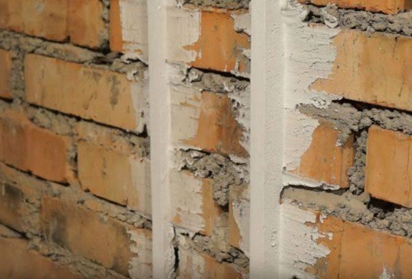 Механизированная штукатурка стен: пошаговое описание технологии укладки по маякам