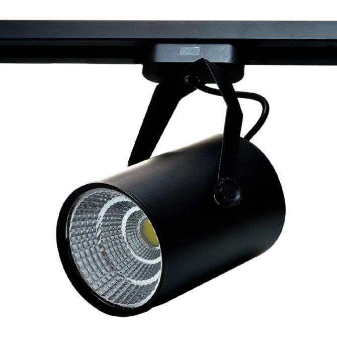 освещение трековыми светильниками