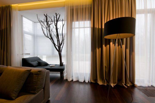 коричневые шторы в спальню фото