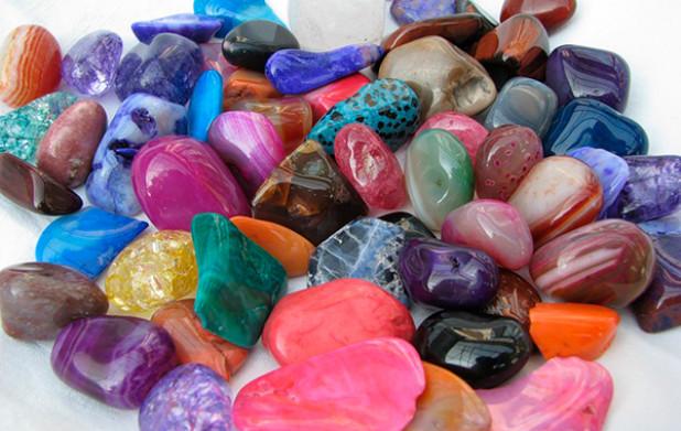 обычные камни