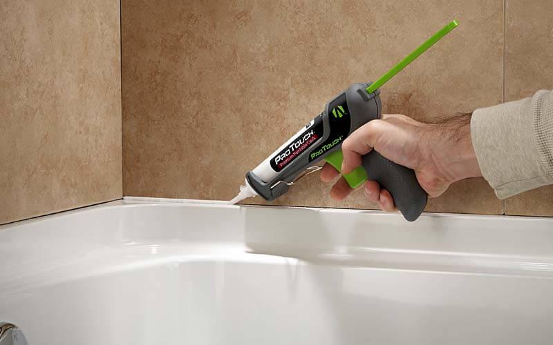 Как снять силиконовый герметик с ванны и плитки