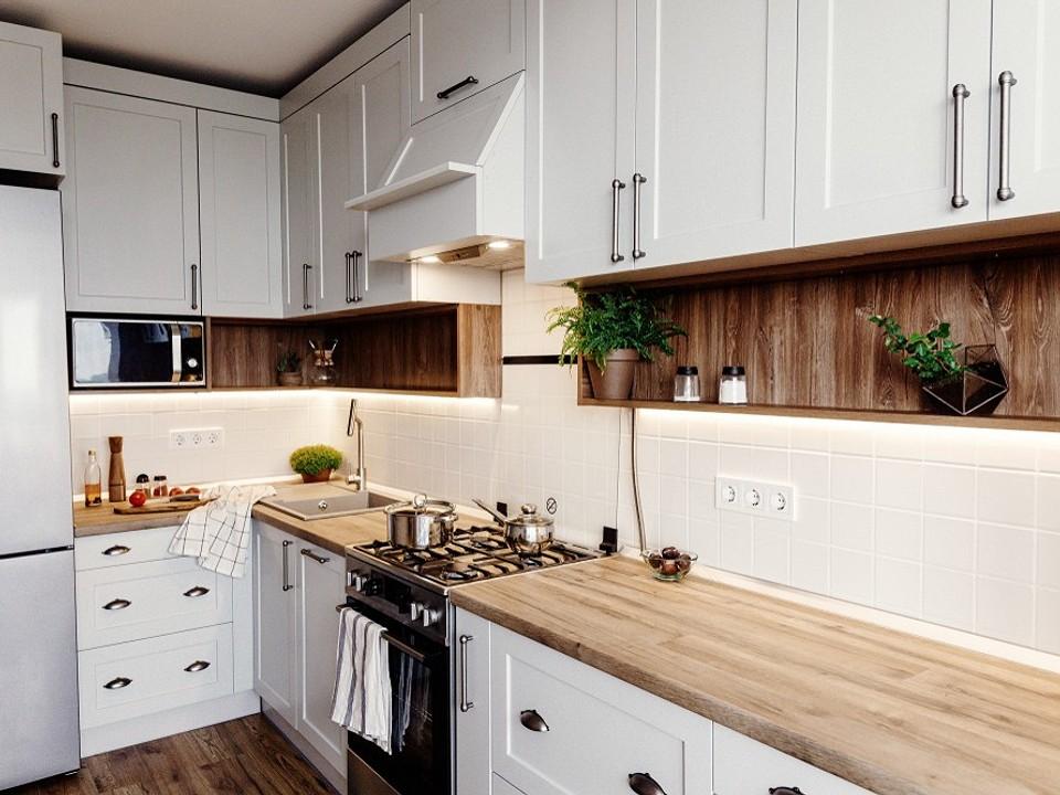 Установка плинтуса для кухни на столешницу с видео инструкцией монтажных работ
