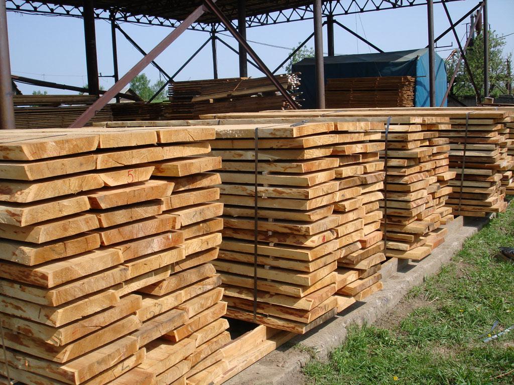 Чем покрыть (обработать) деревянный забор от гниения и влаги для долговечности на улице