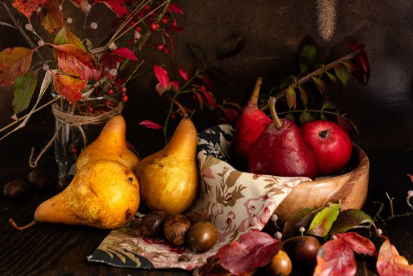 Подкормка осенью яблони в сибири. для чего нужна осенняя подкормка яблони | зелёный сад