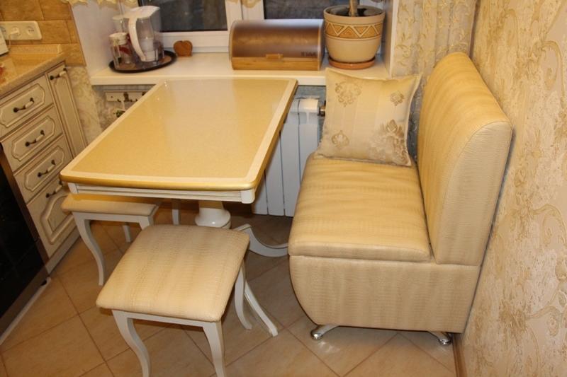 современный диван на кухню