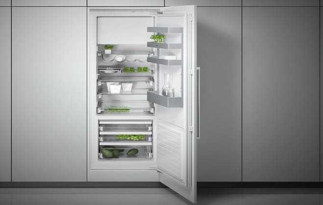 Встроенный холодильник в кухонный гарнитур + фото