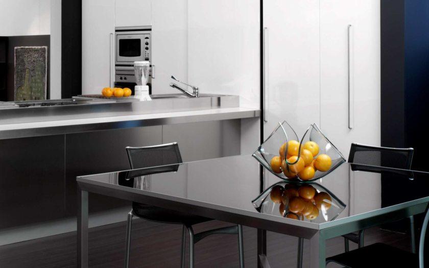 Кухонный фартук из стекла: разновидности, плюсы и минусы, реальные фото
