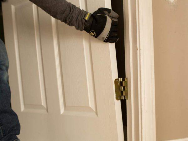 Как обновить межкомнатные двери своими руками: варианты | двери дома