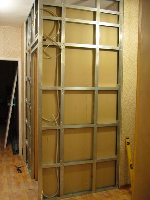 Как сделать обрешетку под гипсокартон на стену, потолок (+схемы)