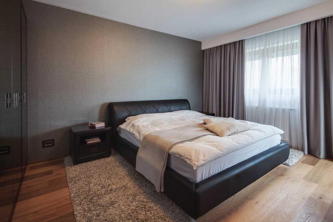 шторы в серой спальне фото