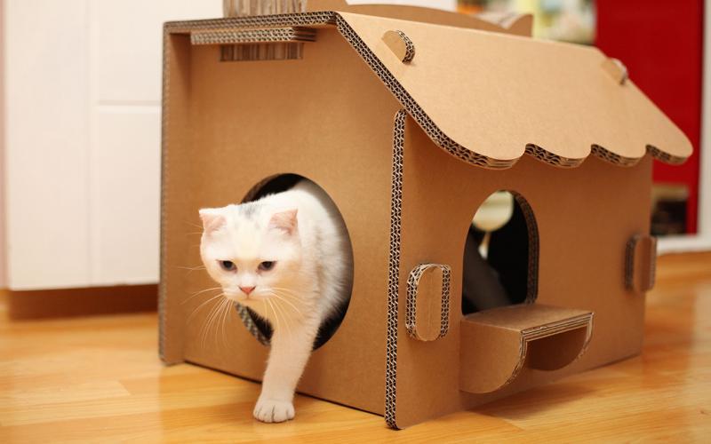 кошачий домик с когтеточкой своими руками