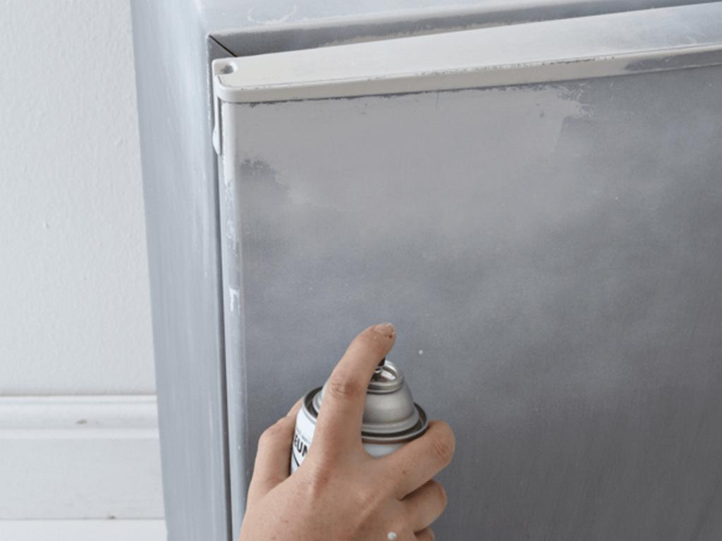 можно ли покрасить холодильник