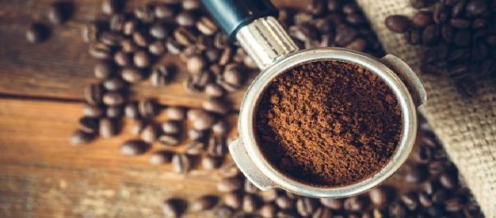 Кофейная гуща (жмых) как удобрение - как использовать для растений