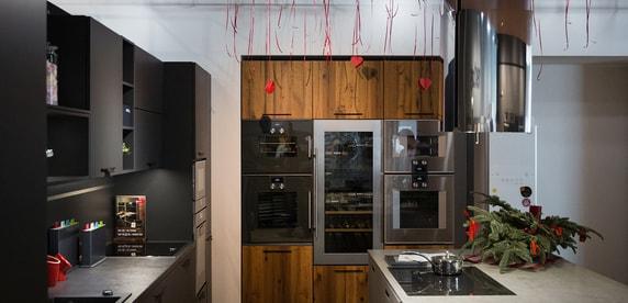 Вытяжки в интерьере кухни +75 фото примеров